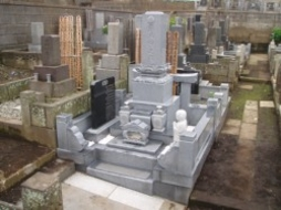 2005年4月~5月 寺院墓地にて 全面改修工事