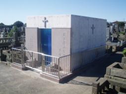 2005年8月~10月 公営墓地にて 納骨堂 改修工事(鉄筋コンクリート製)