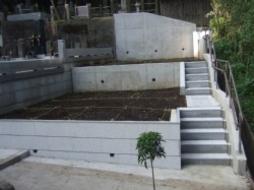 2010年4月~7月 寺院墓地にて 墓地区画造成工事