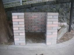 2007年7月 寺院境内にて ゴミ捨て場ブロック積み工事